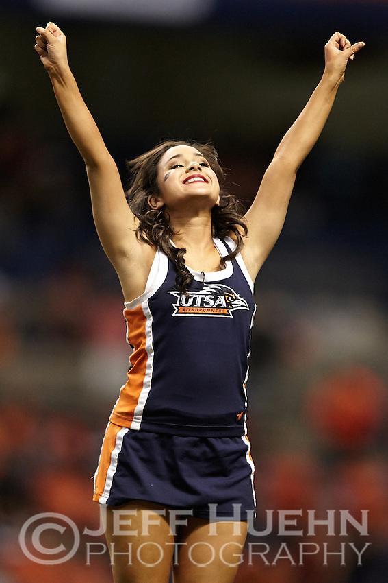 SAN ANTONIO, TX - SEPTEMBER 4, 2014: The University of Arizona Wildcats defeat the University of Texas at San Antonio Roadrunners 26-23 at the Alamodome. (Photo by Jeff Huehn)