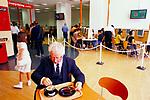 EASYEVERYTHING INTERNET CAFE, LONDON, 1999