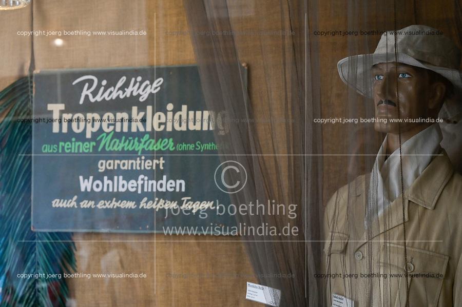 GERMANY, Hamburg, shop for tropical clothes and equipment  / DEUTSCHLAND, Hamburg, Brendler Laden fuer Tropenbekleidung