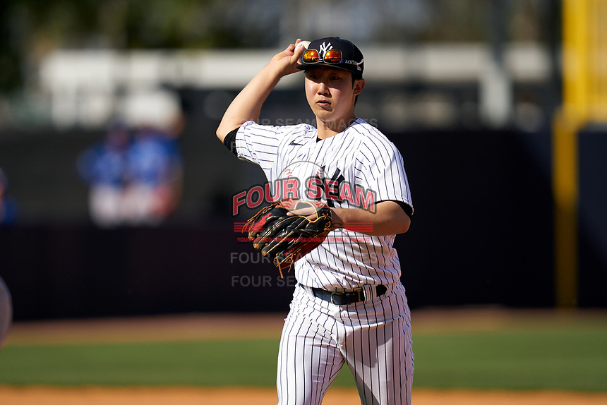New York Yankees second baseman Hoy Jun Park in a run down during a Spring Training game against the Toronto Blue Jays on February 22, 2020 at the George M. Steinbrenner Field in Tampa, Florida.  (Mike Janes/Four Seam Images)