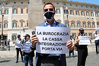 Labor consultants showing banners during a demonstration against the Government in Montecitorio Square. Rome (Italy), July 29th 2020<br /> Photo Samantha Zucchi Insidefoto