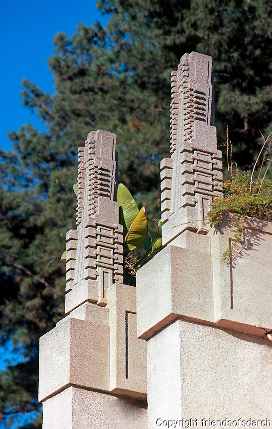F.L. Wright: Barnsdall House. Detail
