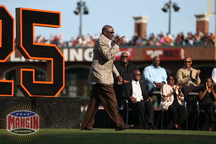 SAN FRANCISCO, CA - AUGUST 11:  Dusty Baker walks to the podium to speak during the ceremony to retire the #25 jersey of Barry Bonds before the game between the Pittsburgh Pirates and San Francisco Giants at AT&T Park on Saturday, August 11, 2018 in San Francisco, California. (Photo by Brad Mangin)