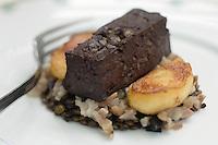 """Europe/France/Pays de la Loire/49/Maine-et-Loire/ Behuard: Boudin au  foie gras   grillé galette à la sauge - Recette de Gérard Bossé Chef de l' Auberge """"Les Tonnelles"""""""""""