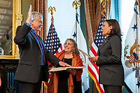 Vice President Kamala Harris swears in Dr. Eric Lander as Director of the Office of Science and Technology Policy, Wednesday, June 2, 2021, in the Vice President's Ceremonial Office in the Eisenhower Executive Office Building at the White House. (Official White House Photo by Cameron Smith)