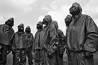 - NATO exercises in the Netherlands, soldiers of the Dutch army training to NBC decontamination (October 1983)....- esercitazioni NATO in Olanda, soldati dell'esercito olandese si addestrano alla decontaminazione NBC (ottobre 1983)
