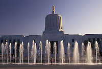 AJ3740, Salem, State Capitol, State House, Oregon, Young girl stands at the fountains in front of the State Capitol Building in the capital city of Salem in the state of Oregon.