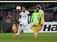 Thursday 27 February 2014<br /> Pictured: Valon Behrami of Napoli (R) against Jonathan de Guzman of Swansea (L)<br /> Re: UEFA Europa League, SSC Napoli v Swansea City FC at Stadio San Paolo, Naples, Italy.