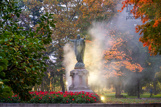 October 22, 2020; Mist envelops the Sacred Heart Jesus statue as the sprinklers are cleared out before winter. (Photo by Matt Cashore/University of Notre Dame)