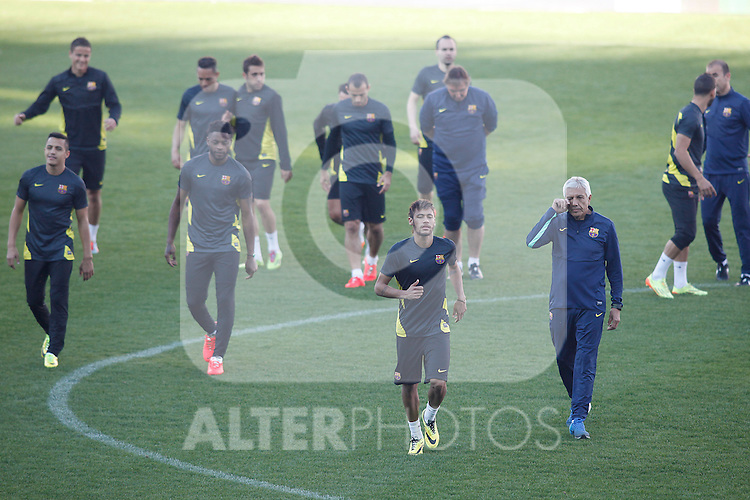 FC Barcelona´s Neymar Jr, Alex Song and Neymar during a training at the Vicente Calderon stadium in Madrid, Spain. Atletico de Madrid will face FC Barcelona in the second leg quarterfinal Champions League soccer match.  April 8, 2014. (ALTERPHOTOS/Victor Blanco)