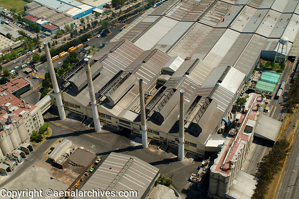 aerial photograph of a factory in the northern portion of Mexico City