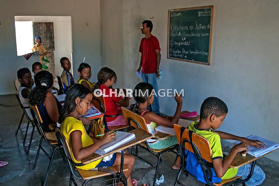 Sala de aula em escola no assentamento Vale da Conquista. Sobradinho. Bahia. 2008. Foto de Ubirajara Machado.