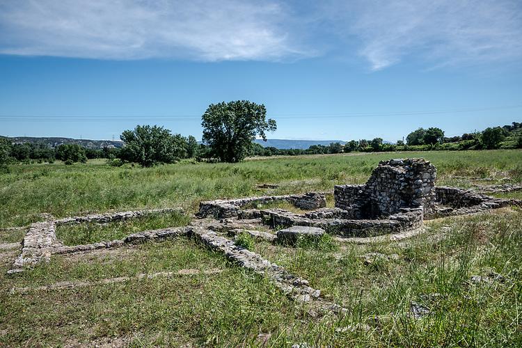Villa gallo-romaine de Saint-Pierre de Vence à l'entrée sud-ouest de la plaine de Roquemartine, dans le vallon des Glauges - Eyguières
