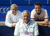 14-6-05, Netherlands, Rosmalen, tennis, Ordina Open 2005, Petr Krajicek with his son Richard and daughter  Michaella