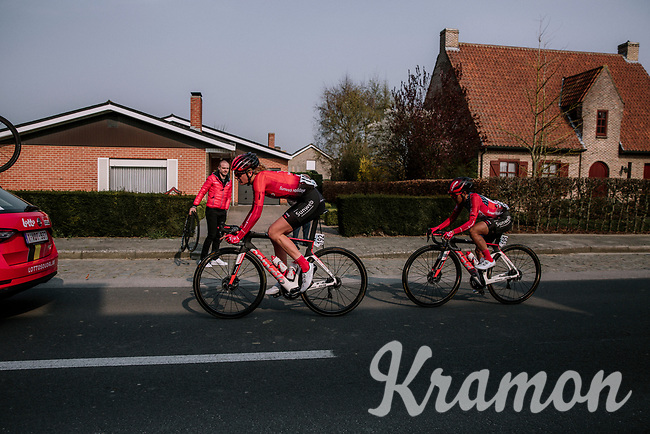 Pernille Mathiesen (DEN/Sunweb) leading Coryn Rivera (USA/Sunweb) back to the peloton after a mechanical<br /> <br /> 8th Gent-Wevelgem In Flanders Fields 2019 <br /> Elite Womens Race (1.WWT)<br /> <br /> One day race from Ypres (Ieper) to Wevelgem (137km)<br /> ©JojoHarper for Kramon