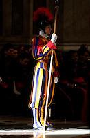 Una guardia svizzera adempie il suo compito mentre Papa Francesco celebra la Messa dell'Epifania nella Basilica di San Pietro, Città del Vaticano, 6 gennaio 2017.<br /> A Swiss guard stands as Pope Francis celebrates the Epiphany Mass in Saint Peter's Basilica at the Vatican, on January 6 2017.<br /> UPDATE IMAGES PRESS/Isabella Bonotto<br /> <br /> STRICTLY ONLY FOR EDITORIAL USE