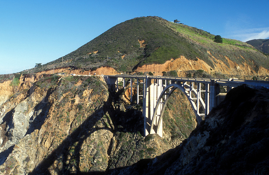 bridge, Route 1, Big Sur, California, CA, Scenic view of Bixby Creek Bridge on Highway 1 along the Pacific Ocean in Big Sur.