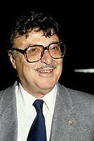 FILE PHOTO - L'Ecrivain Roger Lemelin au Gala de la Presse le 20 Octobre 1985<br /> <br /> <br /> <br /> <br /> <br /> <br /> <br /> PHOTO :   Agence quebec Presse