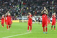 Aserbaidschan bedankt sich bei den Fans - 08.10.2017: Deutschland vs. Asabaidschan, WM-Qualifikation Spiel 10, Betzenberg Kaiserslautern