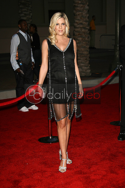 Tori Spelling<br />at the 34th Annual American Music Awards. Shrine Auditorium, Los Angeles, CA. 11-21-06<br />Dave Edwards/DailyCeleb.com 818-249-4998