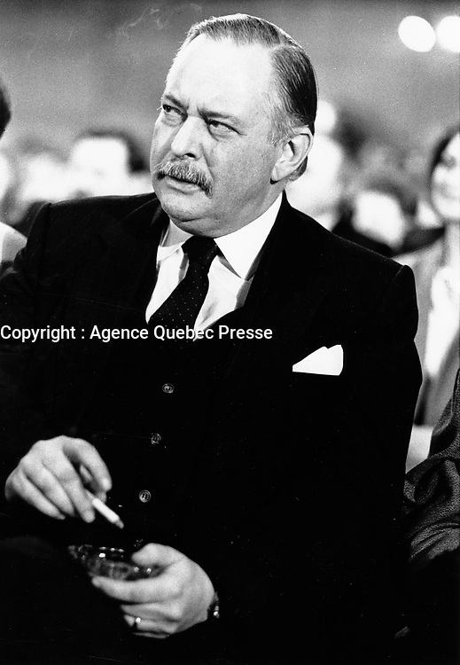 Montreal (Qc) CANADA, January 19, 1985 File Photo <br /> <br />  Jacques Parizeau smoke a cigarette  while he is elected  Parti Quebecois new Leader<br /> <br /> Photo by Pierre Roussel / Images Distribution