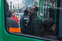 """Protest nach dem Abbau des Fluechtlingscamp auf dem Oranienplatz.<br /> Am Mittwoch den 9. April 2014 protestierten am Oranienplatz in Berlin-Kreuzberg Fluechtlinge gegen nach ihrer Meinung nach unfairen """"Kompromiss"""" den der Senat und der Bezirk den Lampedusafluechtlingen angeboten hat. Diese durften am Vortag nach dem Abbau des Camp auf dem Oranienplatz nach fast 2 Jahren Leben in Zelten und selbstgebauten Huetten in eine Unterkunft ziehen. Ausgeschlossen von dem """"Kompromiss"""" waren jedoch die Fluechtlinge, die eine politische Loesung wollten und nicht nur eine feste Unterkunft.<br /> Die ausgeschlossenen Fluechtline erklaerten auf einer imrpovisierten Pressekonferenz ihre Sicht auf diesen unfairen """"Kompromiss"""". Nach der Pressekonferenz wurden sie von der Polizei vom Oranienplatz verwiesen. Wer dieser Aufforderung nicht nachkam, wurde festgenommen.<br /> 9.4.2014, Berlin<br /> Copyright: Christian-Ditsch.de<br /> [Inhaltsveraendernde Manipulation des Fotos nur nach ausdruecklicher Genehmigung des Fotografen. Vereinbarungen ueber Abtretung von Persoenlichkeitsrechten/Model Release der abgebildeten Person/Personen liegen nicht vor. NO MODEL RELEASE! Don't publish without copyright Christian-Ditsch.de, Veroeffentlichung nur mit Fotografennennung, sowie gegen Honorar, MwSt. und Beleg. Konto:, I N G - D i B a, IBAN DE58500105175400192269, BIC INGDDEFFXXX, Kontakt: post@christian-ditsch.de<br /> Urhebervermerk wird gemaess Paragraph 13 UHG verlangt.]"""