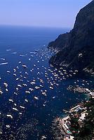 Blick von Belvedere Punta Cannone auf Marina Picola, Capri, Italien