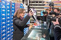 """Adidas-BVG-Turnschuh.<br /> Verkauf des Adidas-BVG-Turnschuh """"Sneaker EQT Support 93"""", im Berliner Turnschuhgeschaeft """"Overkill"""" am Dienstag den 16. Januar 2018.<br /> Der Turnschuh, der auch bis zum 31.12.2018 als BVG-Jahreskarte gueltig ist, wird in einer limitierten Auflage von 500 Stueck verkauft. Jugendlichen und professionelle eBay-Haendler sind bereits seit zwei Tagen Vorort um den Turnschuh fuer 180,- Euro zu kaufen. Die eBay-Haendler wollen den Turnschuh fuer mind. 2.000,-€ verkaufen.<br /> Im Bild: Die BVG-Chefin Dr. Sigrid Nikutta mit dem BVG-Adidas-Turnschuh.<br /> 16.1.2018, Berlin<br /> Copyright: Christian-Ditsch.de<br /> [Inhaltsveraendernde Manipulation des Fotos nur nach ausdruecklicher Genehmigung des Fotografen. Vereinbarungen ueber Abtretung von Persoenlichkeitsrechten/Model Release der abgebildeten Person/Personen liegen nicht vor. NO MODEL RELEASE! Nur fuer Redaktionelle Zwecke. Don't publish without copyright Christian-Ditsch.de, Veroeffentlichung nur mit Fotografennennung, sowie gegen Honorar, MwSt. und Beleg. Konto: I N G - D i B a, IBAN DE58500105175400192269, BIC INGDDEFFXXX, Kontakt: post@christian-ditsch.de<br /> Bei der Bearbeitung der Dateiinformationen darf die Urheberkennzeichnung in den EXIF- und  IPTC-Daten nicht entfernt werden, diese sind in digitalen Medien nach §95c UrhG rechtlich geschuetzt. Der Urhebervermerk wird gemaess §13 UrhG verlangt.]"""