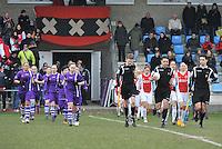 Beerschot Dames - AJAX Amsterdam Dames : opkomst van de speelsters.foto JOKE VUYLSTEKE / Vrouwenteam.be
