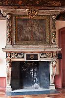 Europe/France/Aquitaine/64/Pyrénées-Atlantiques/Pays-Basque/Saint-Jean-de-Luz: La maison dite de l'Infante, ou maison Haraneder, demeure d'Anne d'Autriche, où l'Infante Marie-Thérèse logea. Le nom initial de la maison est Joanoenia, c'est-à-dire la maison de Jeannot de Haraneder - Détail de la cheminée