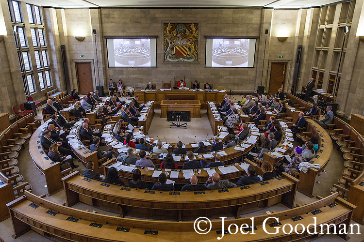 © Joel Goodman - 07973 332324 . 13/07/2016. Manchester , UK . Proceedings at a Manchester City Council meeting , at the Council Chamber in the Town Hall in Manchester . Photo credit : Joel Goodman