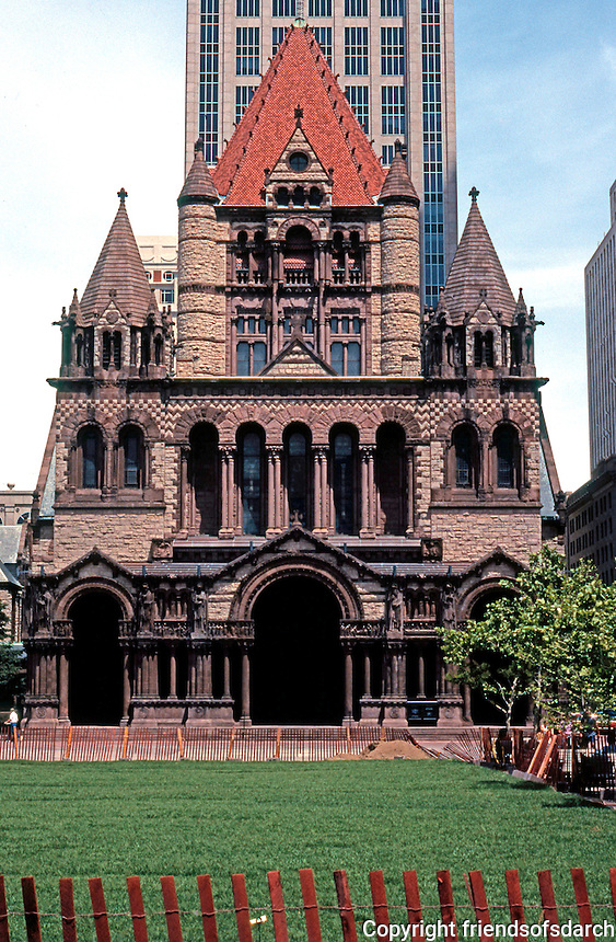 H. H. Richardson: Boston's Trinity Church and Copley Square Plaza as it was in 1991. Former sunken plaza of 1968 replaced by lawn and a fence!