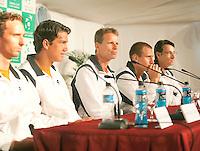5-3-09,Argentina, Buenos Aires, Daviscup  Argentina-Netherlands, Draw, He Nederlandse team tijdens de persconferentie, vlnr:Marwe Middelkoop, Jese Huta galung, captain Jan Siemerink, Thiemo de Bakker en Rogier Wassen