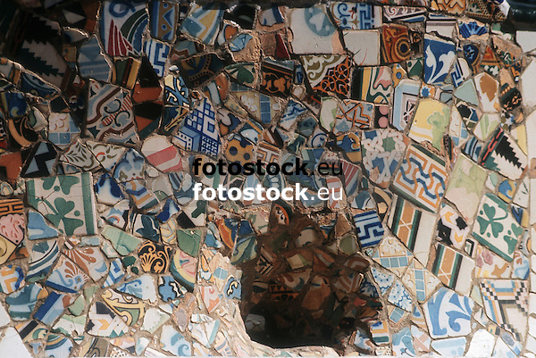 close-up of modernist tiles at the bank in Park Güell, by Antonio Gaudí<br /> <br /> detalle de azulejos modernistas en el banco de Parc Güell, por Toni Gaudí<br /> <br /> Nahaufnahme der Jugendstilkacheln der Bank im Park Güell, von Antonio Gaudi<br /> <br /> Original: 35 mm slide transparency