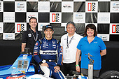 Winner Takuma Sato, Rahal Letterman Lanigan Racing Honda, podium