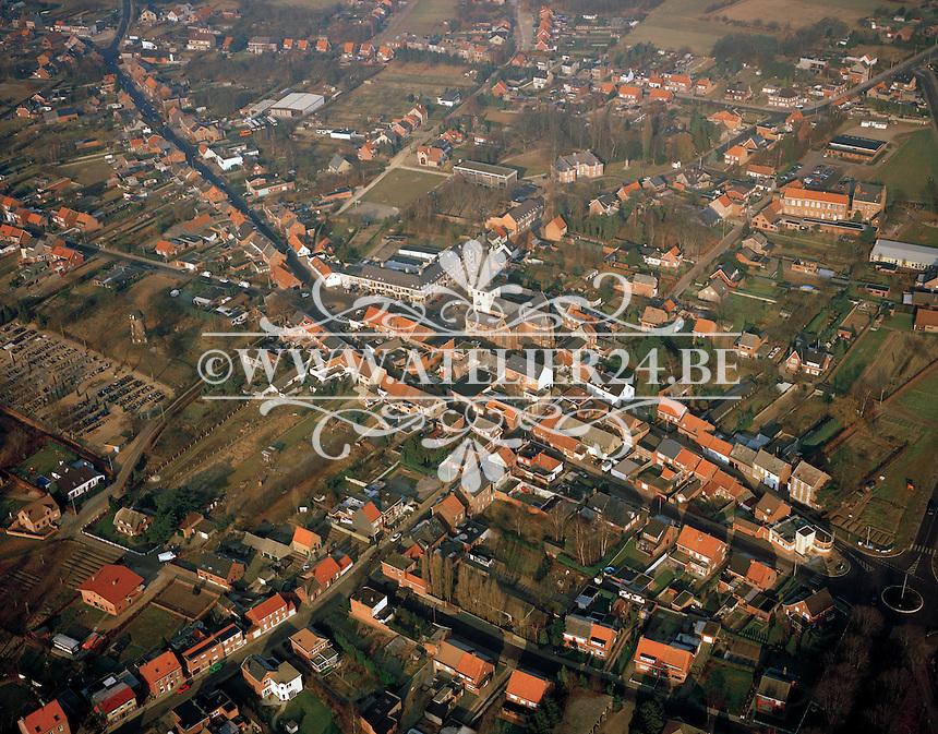 Januari 1996. Dorpscentrum van Oelegem.