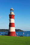 Great Britain, England, Devon, Plymouth: Smeaton's Tower on The Hoe with Plymouth Sound behind | Grossbritannien, England, Devon, Plymouth: Leuchtturm Smeaton's Tower on The Hoe, im Hintergrund die Bucht Plymouth Sound