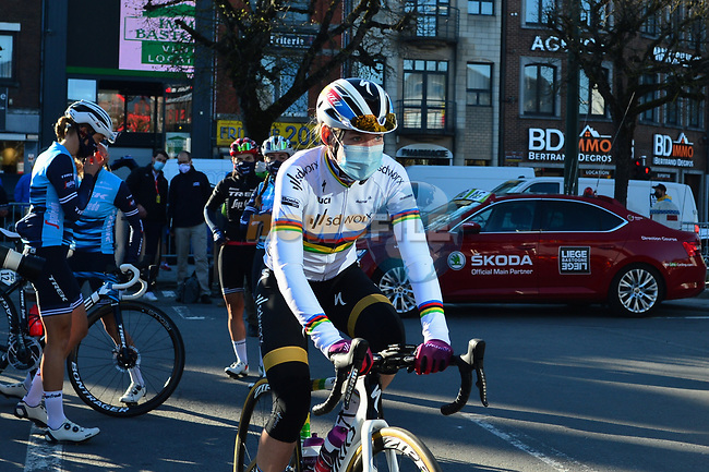 World Champion Anna Van Der Breggen (NED) Team SD Worx arrives at the team presentations before the start of Liege-Bastogne-Liege Femmes 2021, running 141km from Bastogne to Liege, Belgium. 25th April 2021.  <br /> Picture: A.S.O./Gautier Demouveaux   Cyclefile<br /> <br /> All photos usage must carry mandatory copyright credit (© Cyclefile   A.S.O./Gautier Demouveaux)