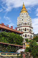 Kek Lok Si Buddhist Temple Ban Po Thar Pagoda, George Town, Penang, Malaysia.  Largest Buddhist temple in Malaysia.