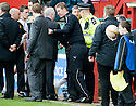 :: ABERDEEN MANAGER CRAIG BROWN IN THE TECHNICAL AREA AT THE END OF THE GAME ::