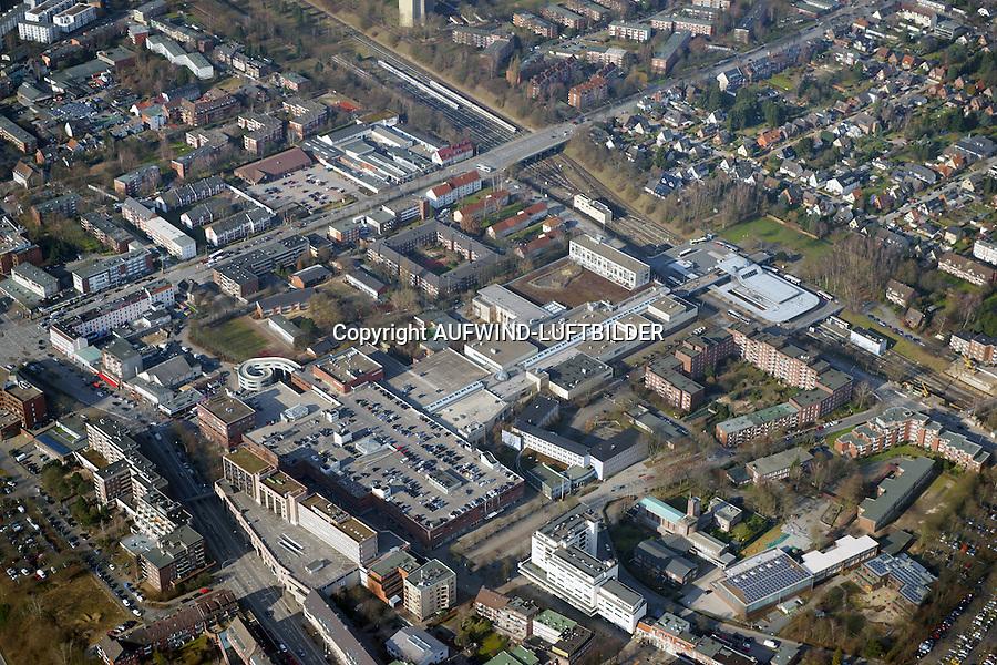Billstedt Center  : DEUTSCHLAND, HAMBURG 28.02.2015 : Billstedt Center im Stadtteil Billstedt im suedoestlichen Teil von Hamburg.Das Shoppingcenter bietet aufgeteilt auf zwei Ebenen ca. 95 Fachgeschaefte, ein Warenhaus, ein Fachmarkt für Unterhaltungselektronik, ein Kleinkaufhaus, Textilhaeuser, ein Supermarkt sowie Dienstleistungs- und Gastronomiebetriebe auf einer Verkaufsflaeche von ca. 40.000 qm.