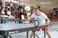 Paul Hottum aus Kaiserslautern mit vollem Körpereinsatz beim HEADIS - Darmstadt 22.04.2017: 3. HEADIS Turnier