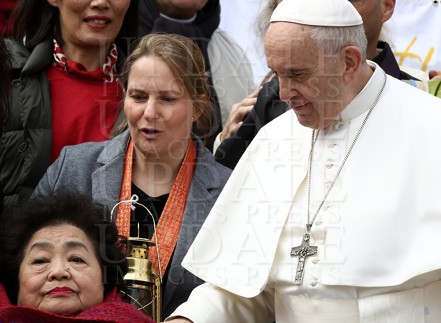 Pope Francis greets International Campaign to Abolish Nuclear Weapons (ICAN) activistsand Hiroshima survivor Setsuko Thurlow, Nobel Peace Prize in 2017, at the end of the weekly general audience in St. Peter's Square at the Vatican, on March 20, 2019.<br /> UPDATE IMAGES PRESS/Isabella Bonotto<br /> <br /> STRICTLY ONLY FOR EDITORIAL USE