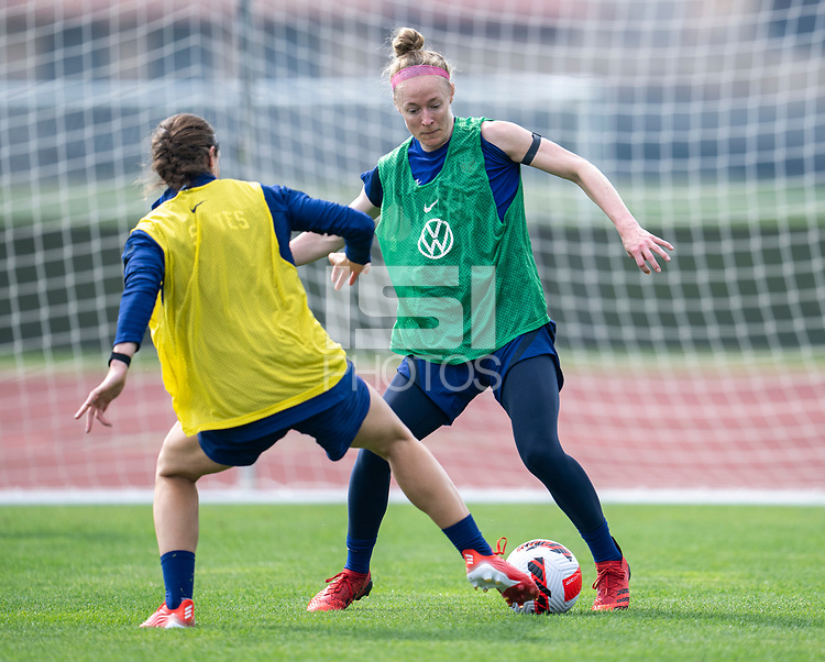CLEVELAND, OH - SEPTEMBER 14: Becky Sauerbrunn of the United States dribbles during a training session at the training fields on September 14, 2021 in Cleveland, Ohio.