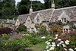 Great Britain, England, Gloucestershire, Bibury: Typical cotswold cottage garden in Summer