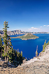 USA, OR, Crater Lake NP, Crater Lake and Wizard Island