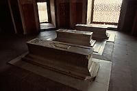 Särge in Humayun's Tomb, Delhi, Indien, Unesco-Weltkulturerbe