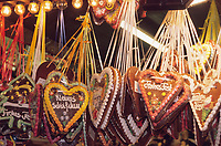 Europe/Allemagne/Rhénanie du Nord-Westphalie/Cologne: Marché de Noël sur la place Alter Markt détail d 'un pavillon Décorations de Noël et pains d'épices