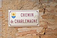 Chemin de Charlemagne. Aloxe Corton, Cote de Beaune, d'Or, Burgundy, France