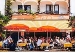 Schweiz, Tessin, Ascona am Lago Maggiore: Cafe und Restaurant an der Hafenpromenade | Switzerland, Ticino, Ascona at Lago Maggiore: cafe and restaurant at the promenade